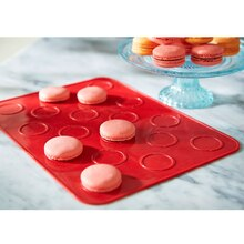 Celebrate It Macaron Mat, 18 Cavity